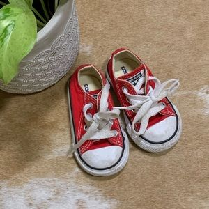 Red baby converses, sz 3